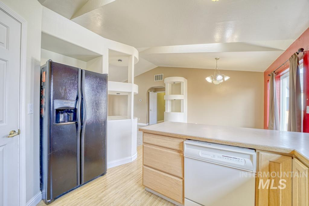 707 Tuxedo Junction Property Photo 11