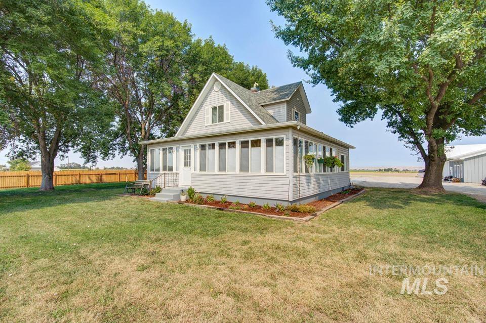 3300 Highway 30 W Property Photo