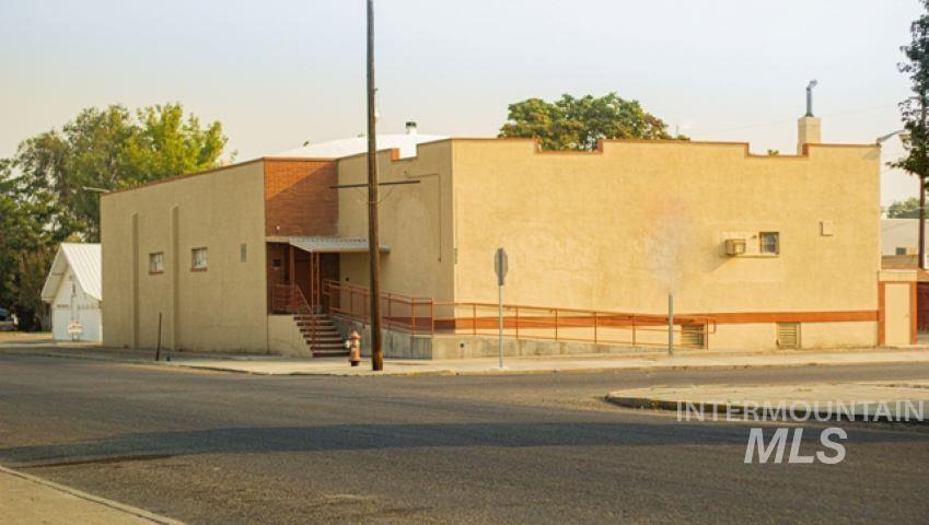 222 Bower Ave Property Photo