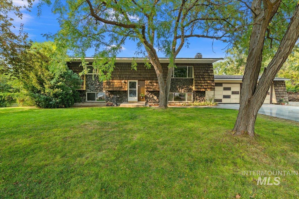 10270 La Hontan Property Photo