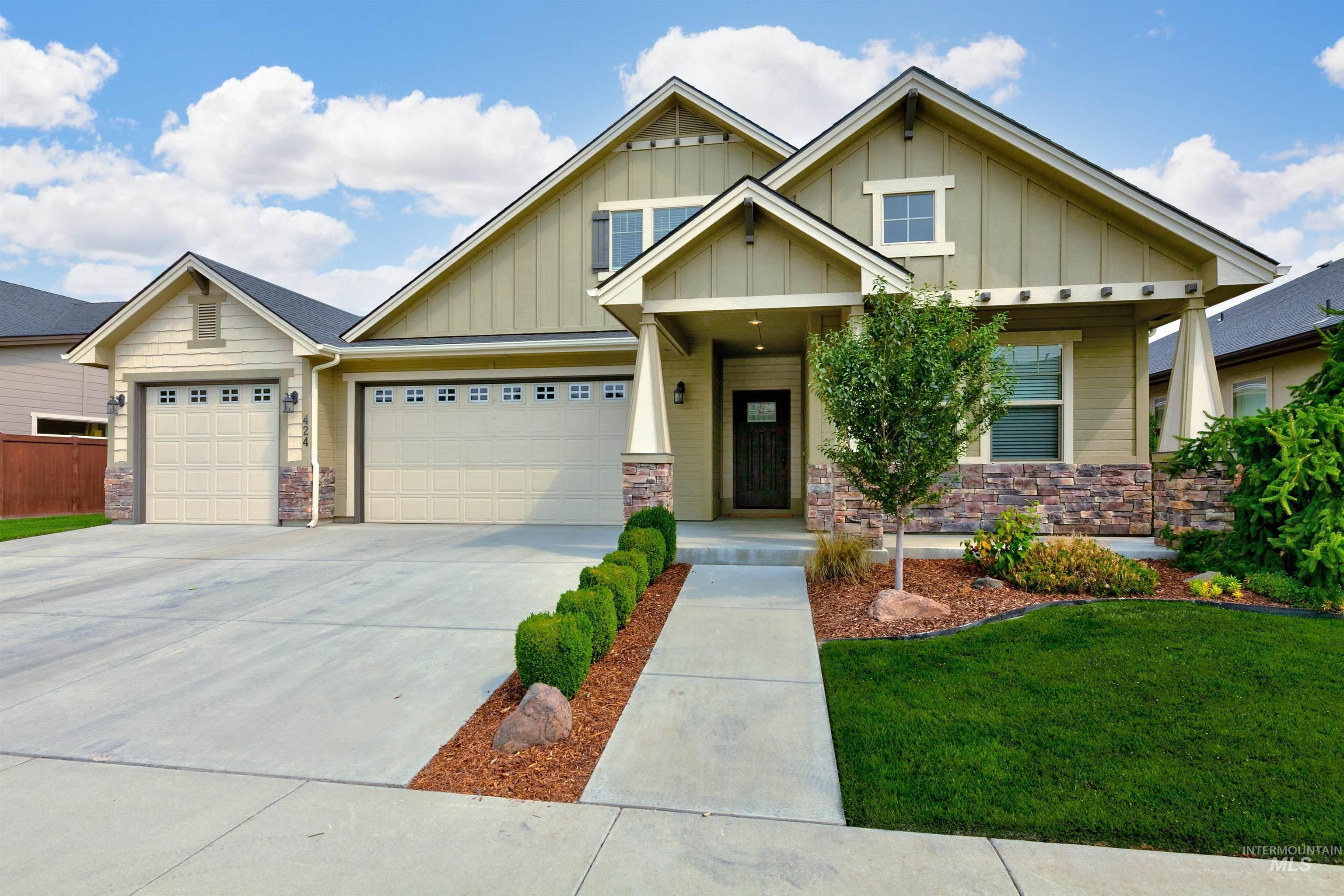 424 W Dreyfuss Property Photo