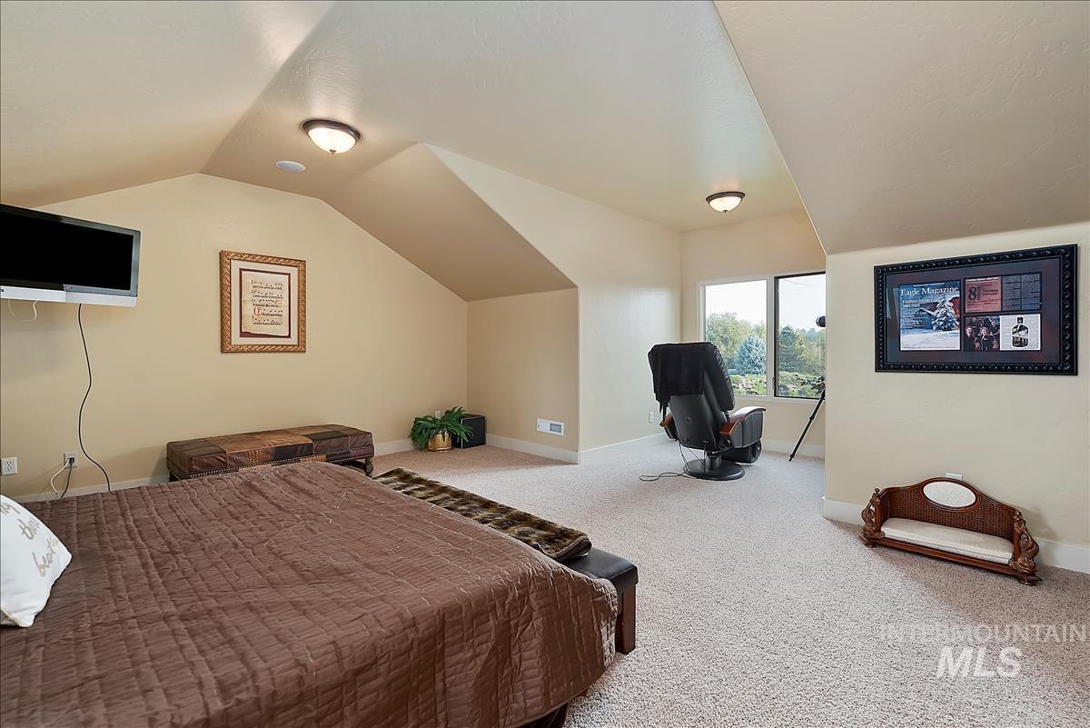 512 E Laguna Shore Ln. Property Photo 28