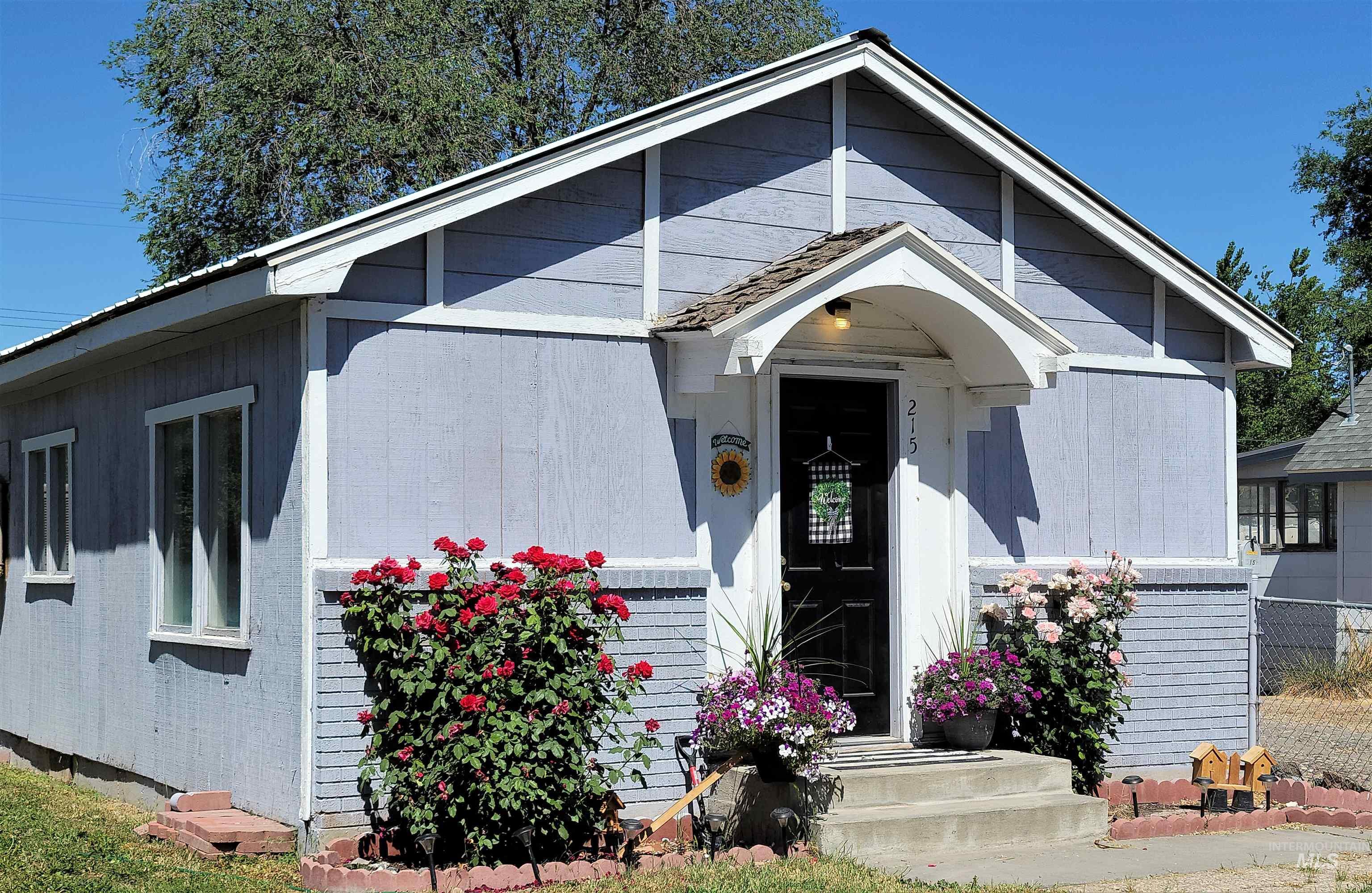 215 Locust Street Property Photo