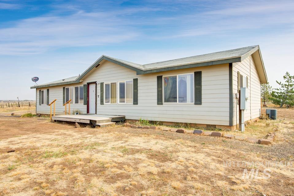 1060 Grays Creek Road Property Photo
