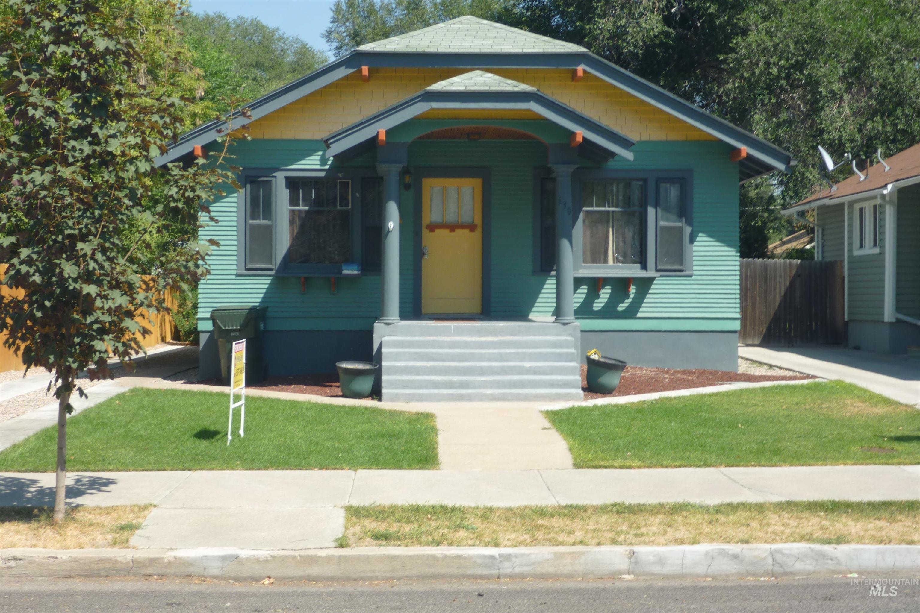 130 S 10th Property Photo