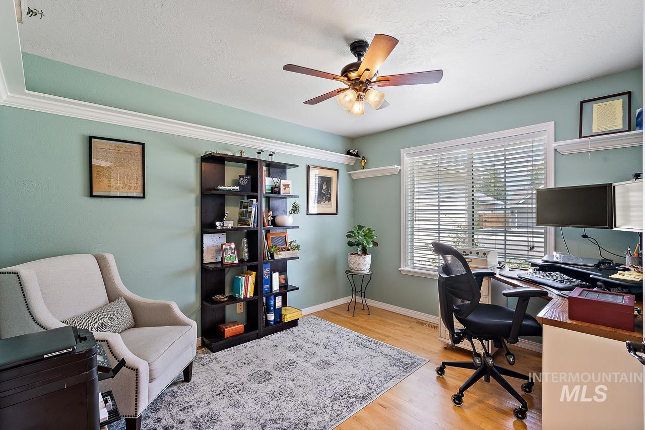 2301 S Georgetown Way Property Photo 11