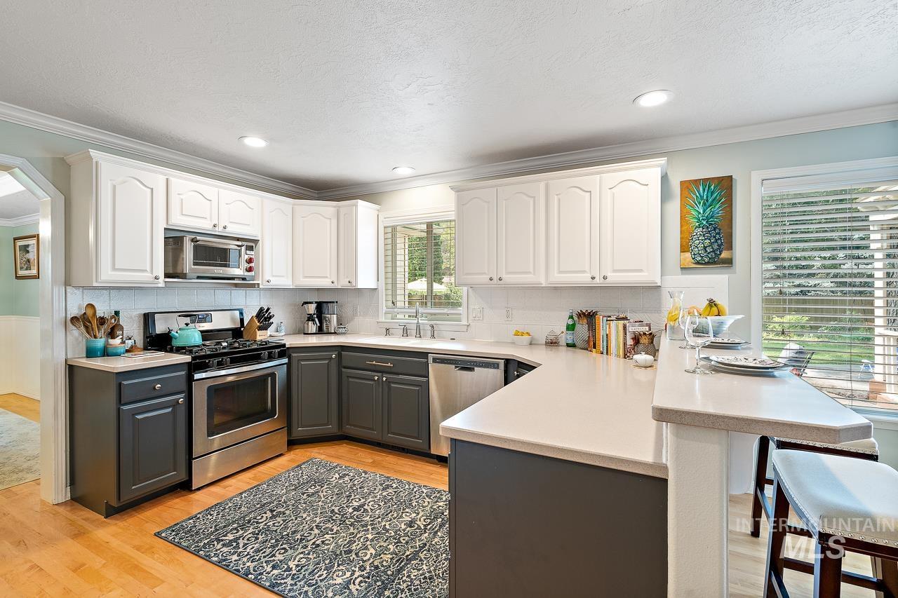 2301 S Georgetown Way Property Photo 13