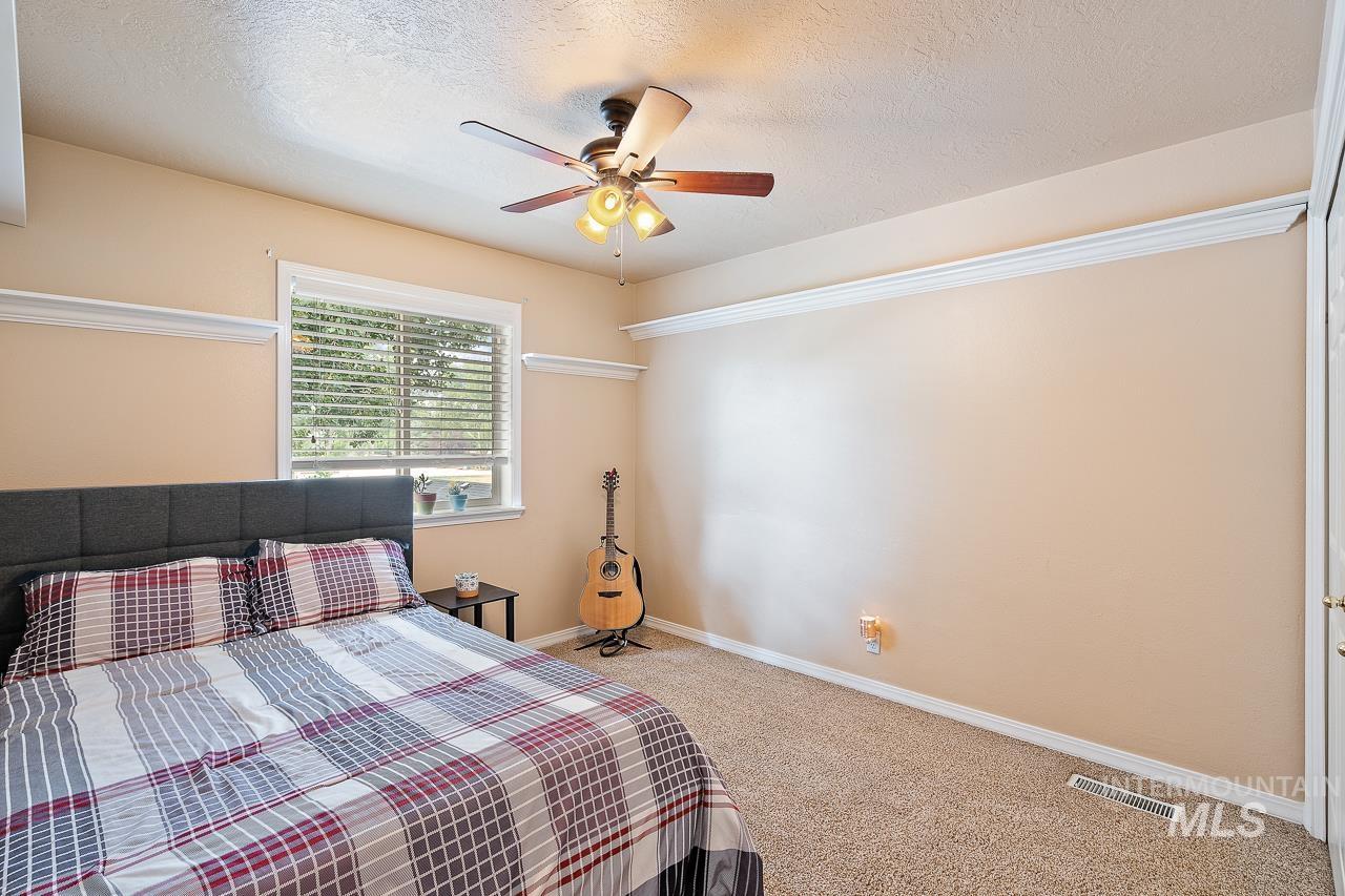 2301 S Georgetown Way Property Photo 32