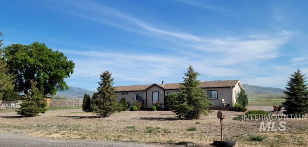 620 E Main Property Photo 1