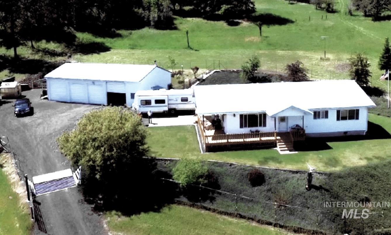 1204 N Peach Property Photo