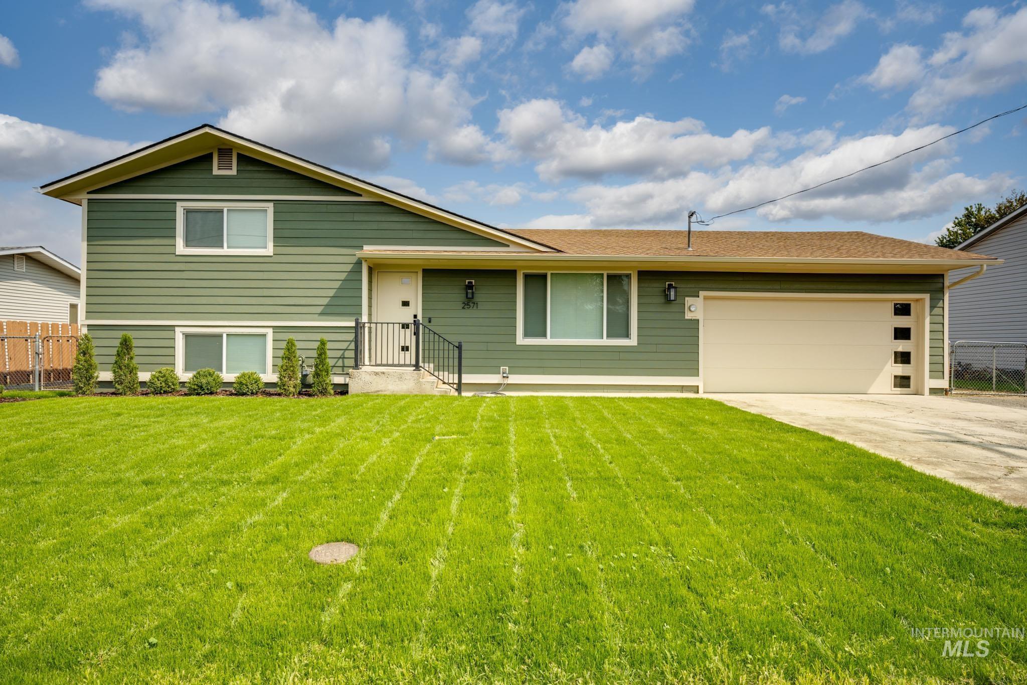 2571 Suncrest Drive Property Photo