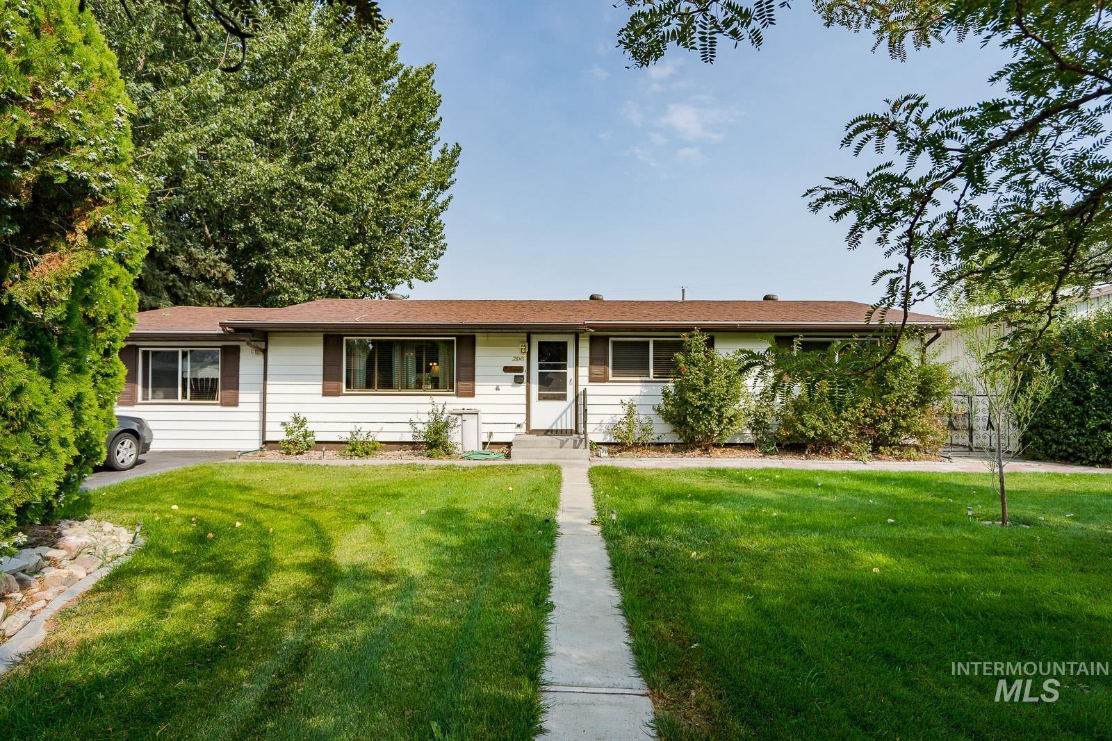 296 W Spartan Drive Property Photo