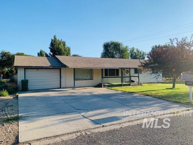 556 W I St Property Photo