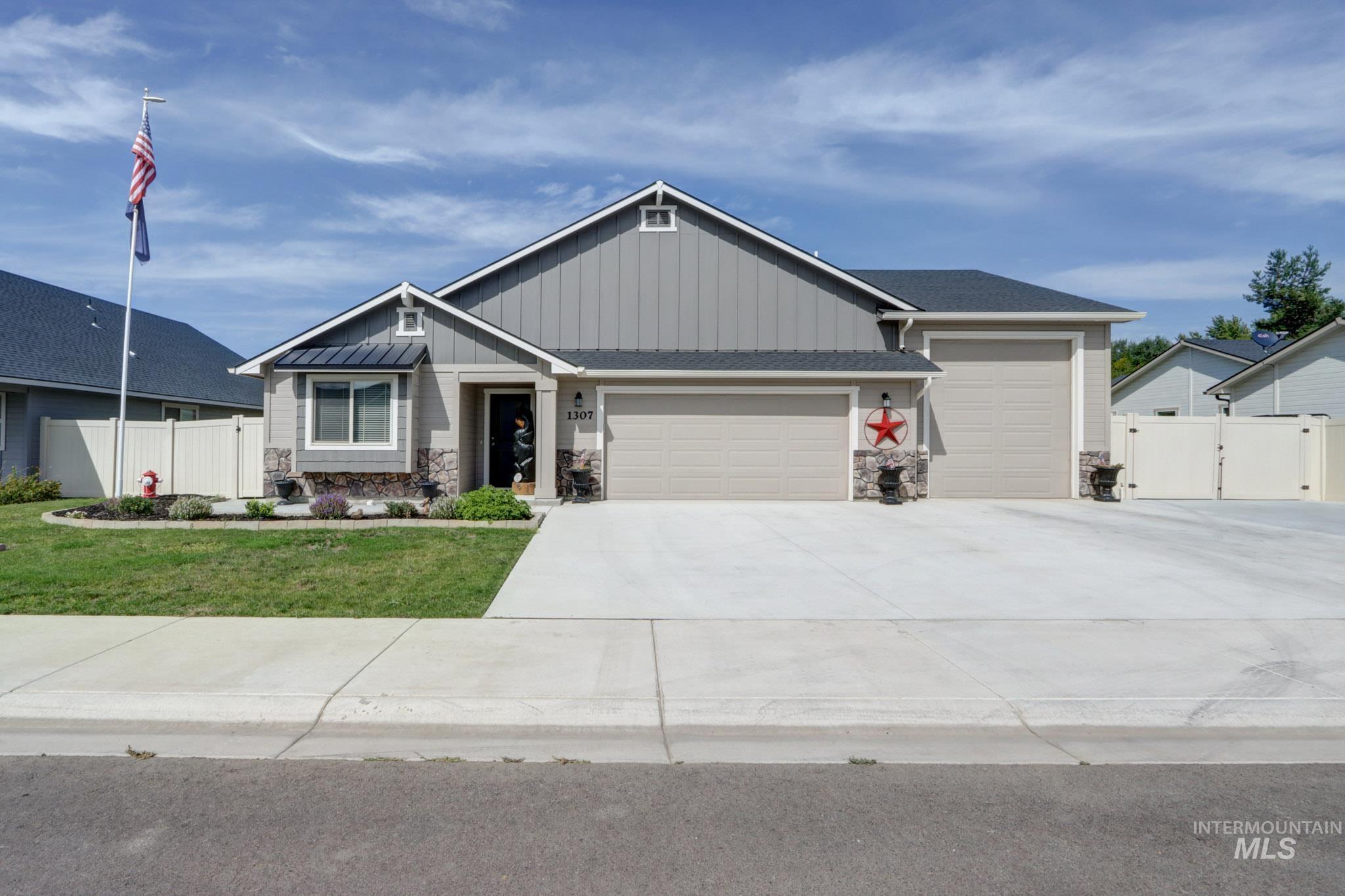 1307 Cottonwood Dr Property Photo