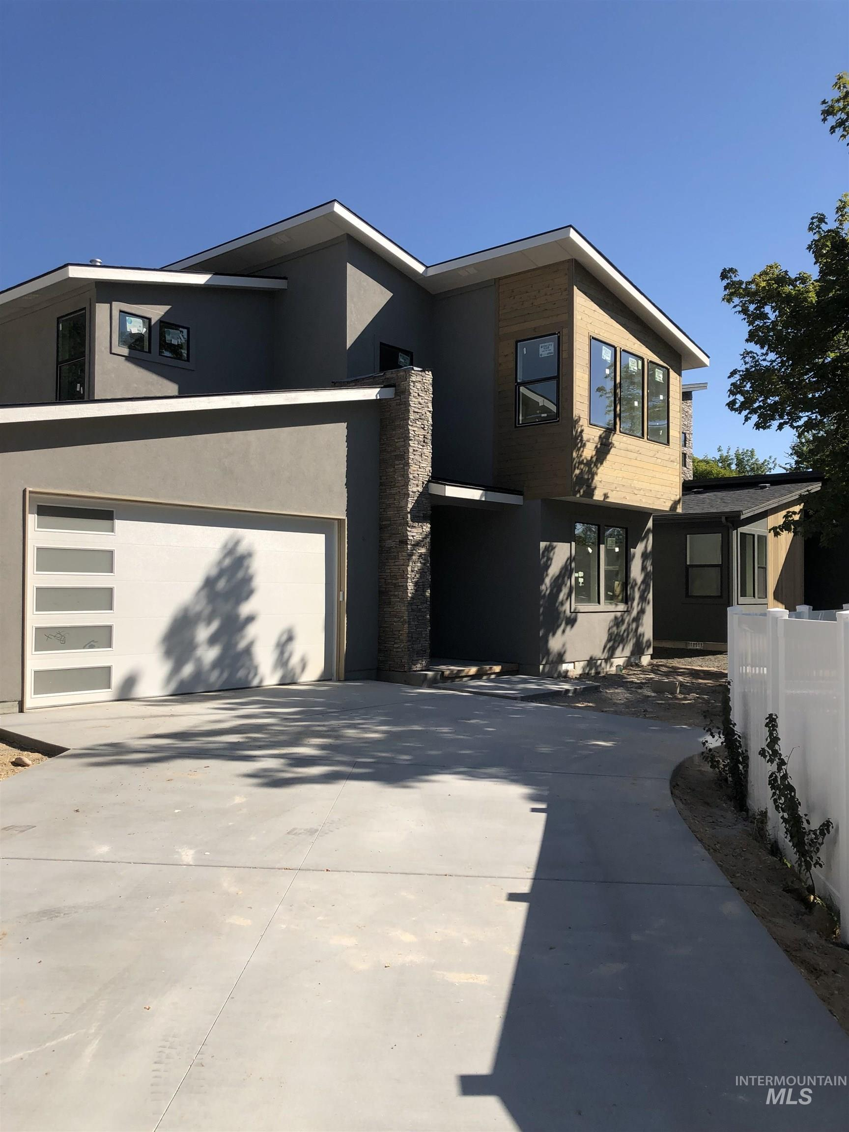 Eagleson Ustick Real Estate Listings Main Image
