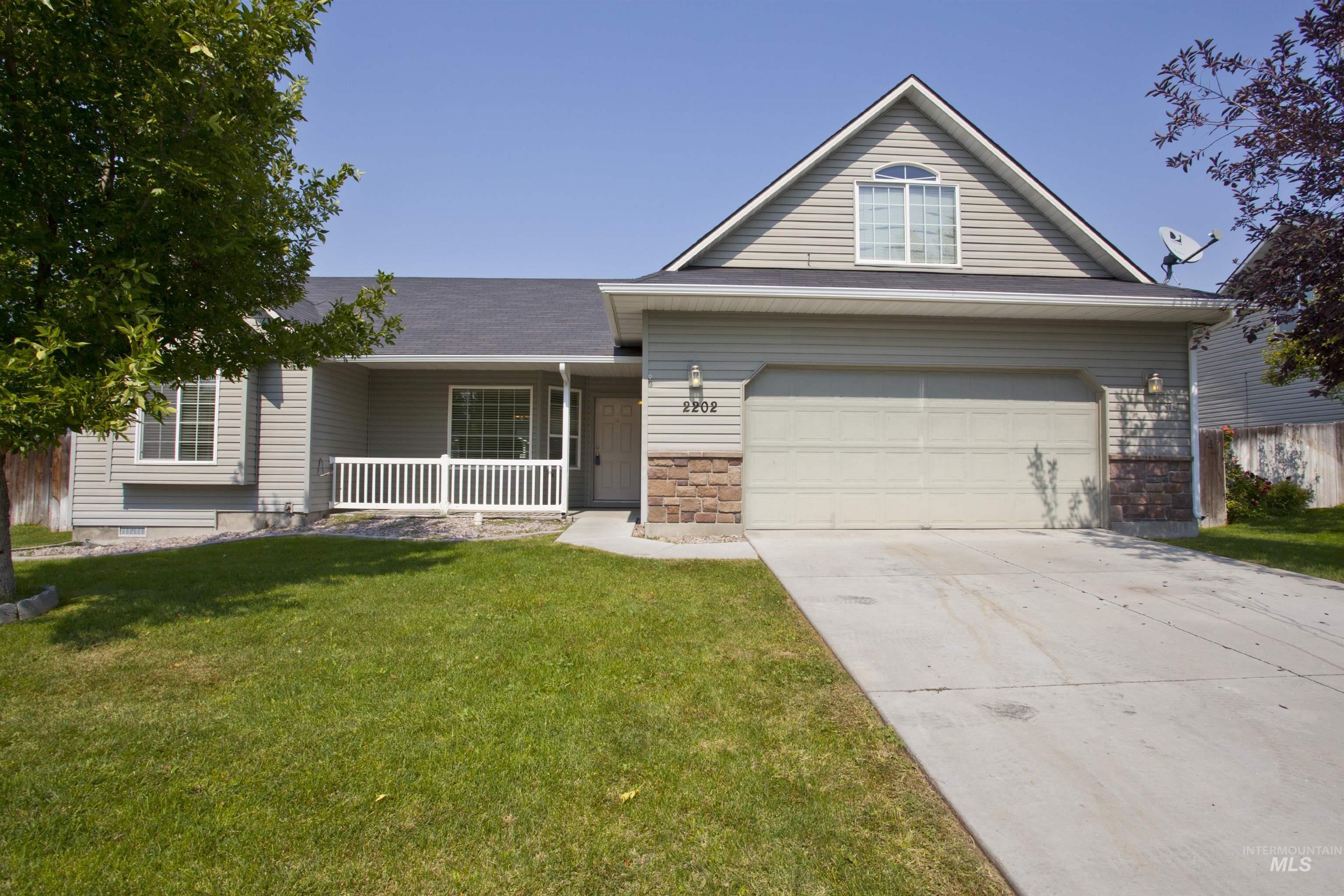 2202 W Mountain Pointe Ct Property Photo