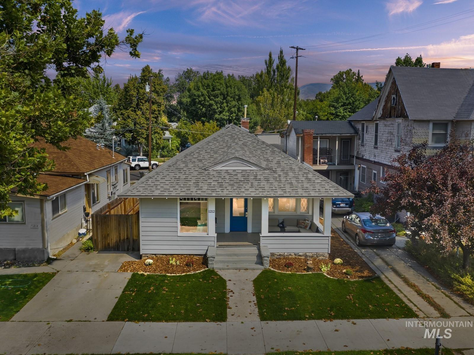 1212 W Fort St Property Photo
