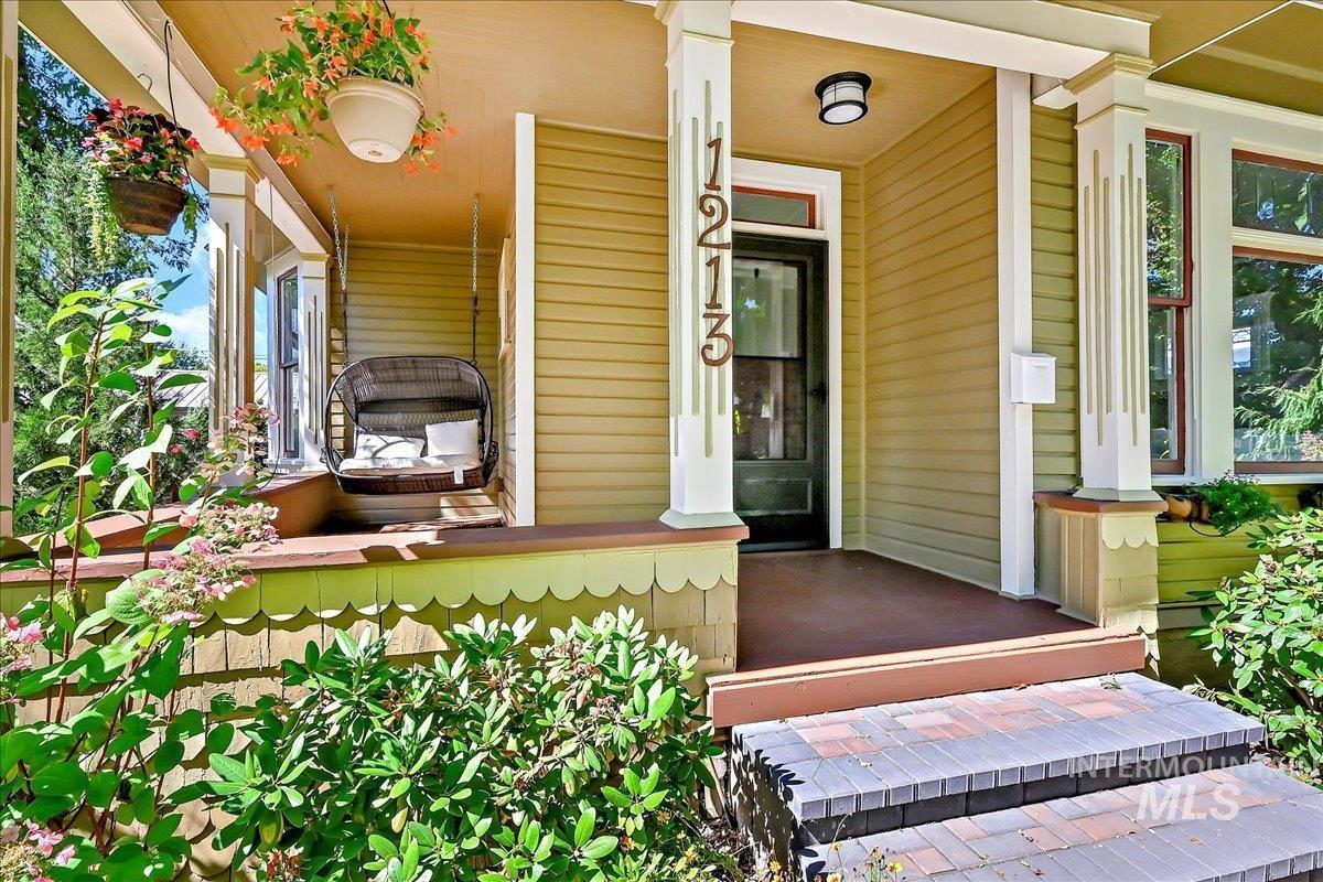 Andola Add Real Estate Listings Main Image
