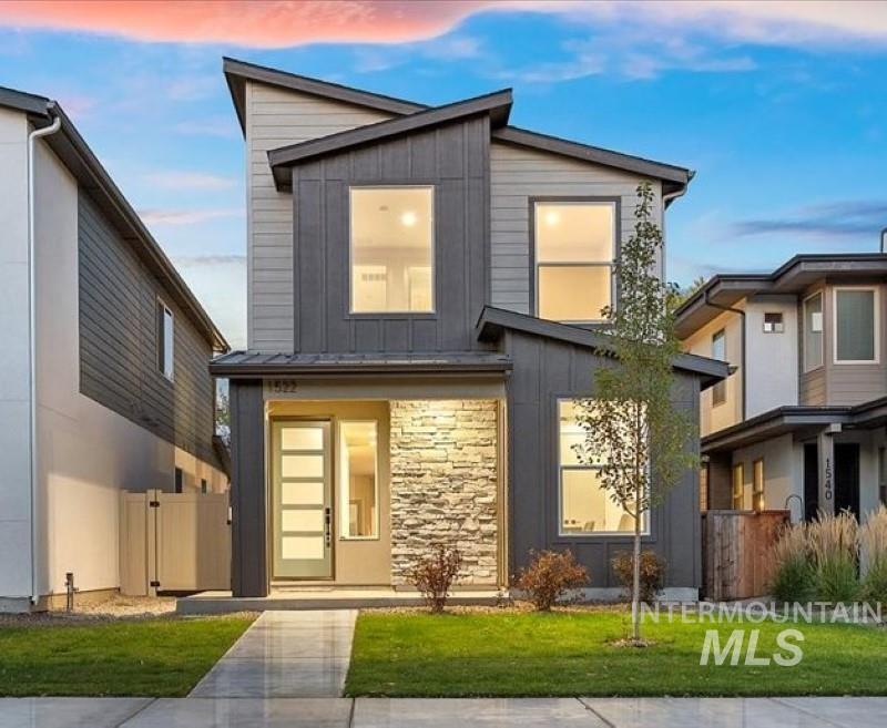 1522 S Oakland Dr Property Photo
