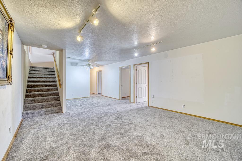 39 Horseshoe Circle Property Photo 17
