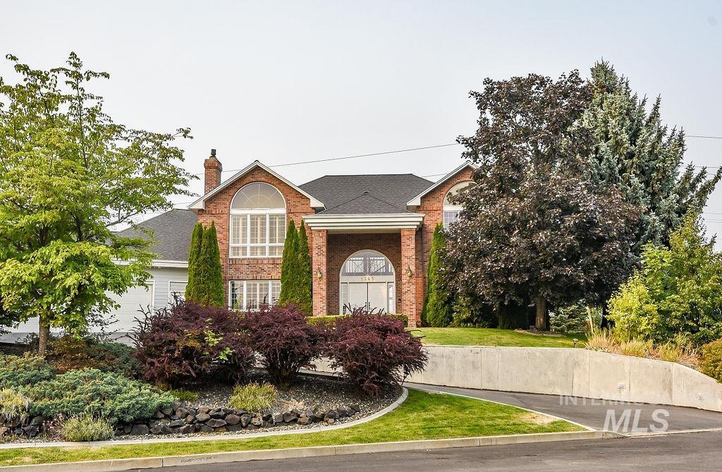 1345 Ridgeview Property Photo