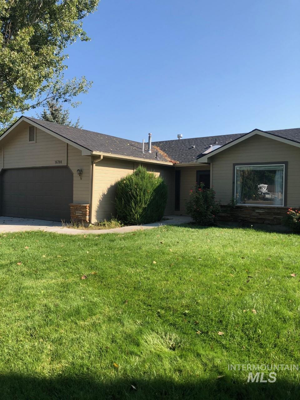 16700 Mulberry Court Property Photo 1