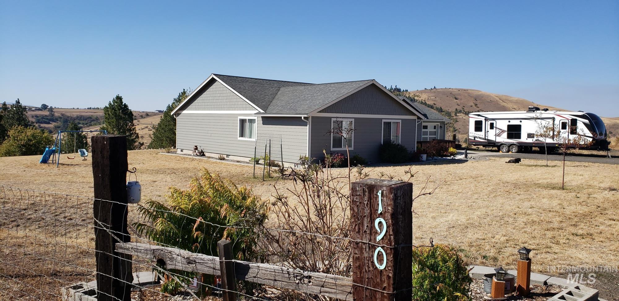 190 Golden Acres Drive Property Photo