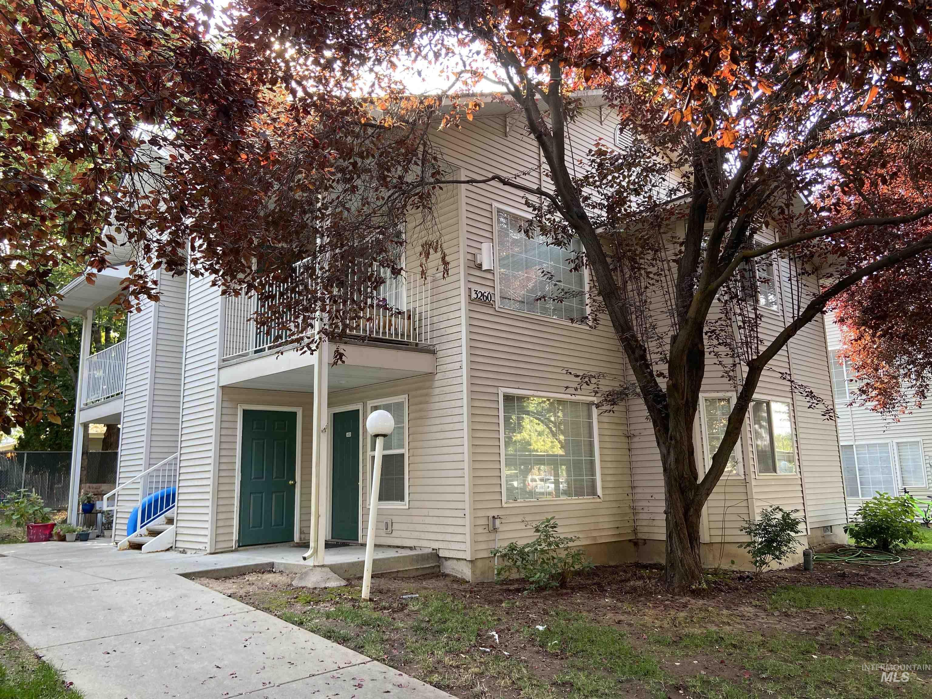 3260 N Lakegrove Lane Property Photo