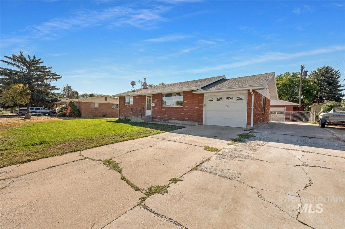 845 E 16th N Property Photo