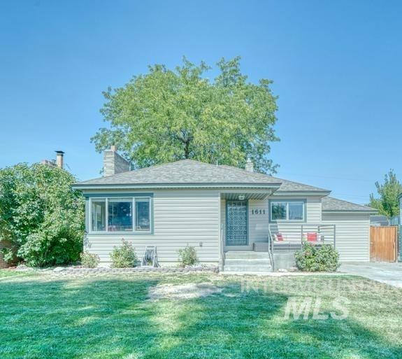 1611 Kimes Avenue Property Photo 1