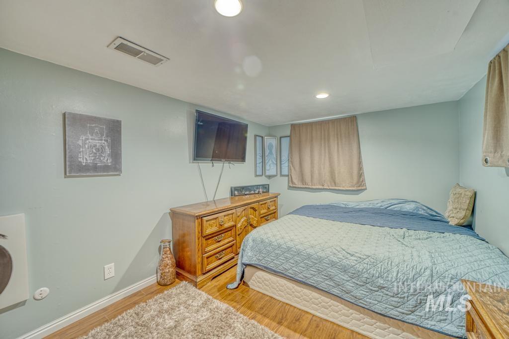 1611 Kimes Avenue Property Photo 19