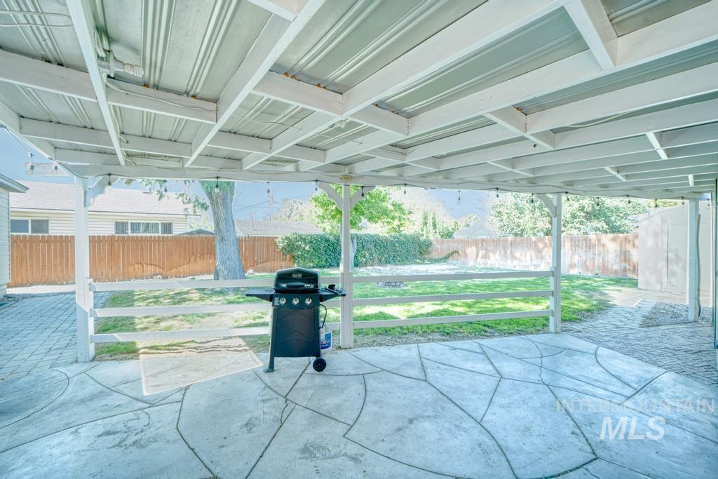 1611 Kimes Avenue Property Photo 28