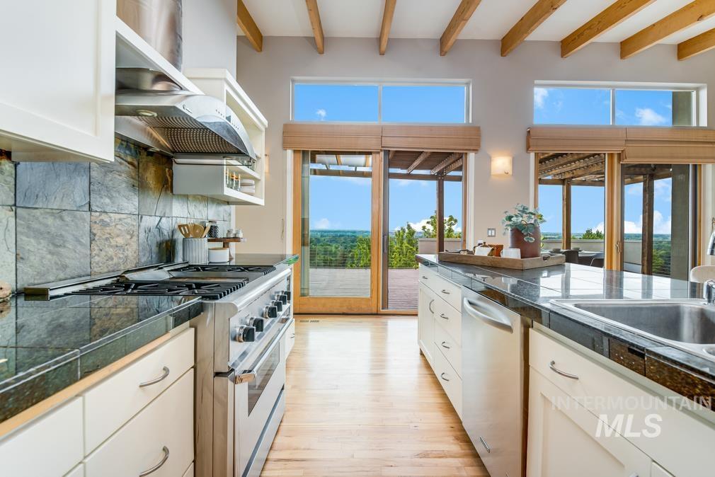 2424 W Spring Mountain Property Photo 23