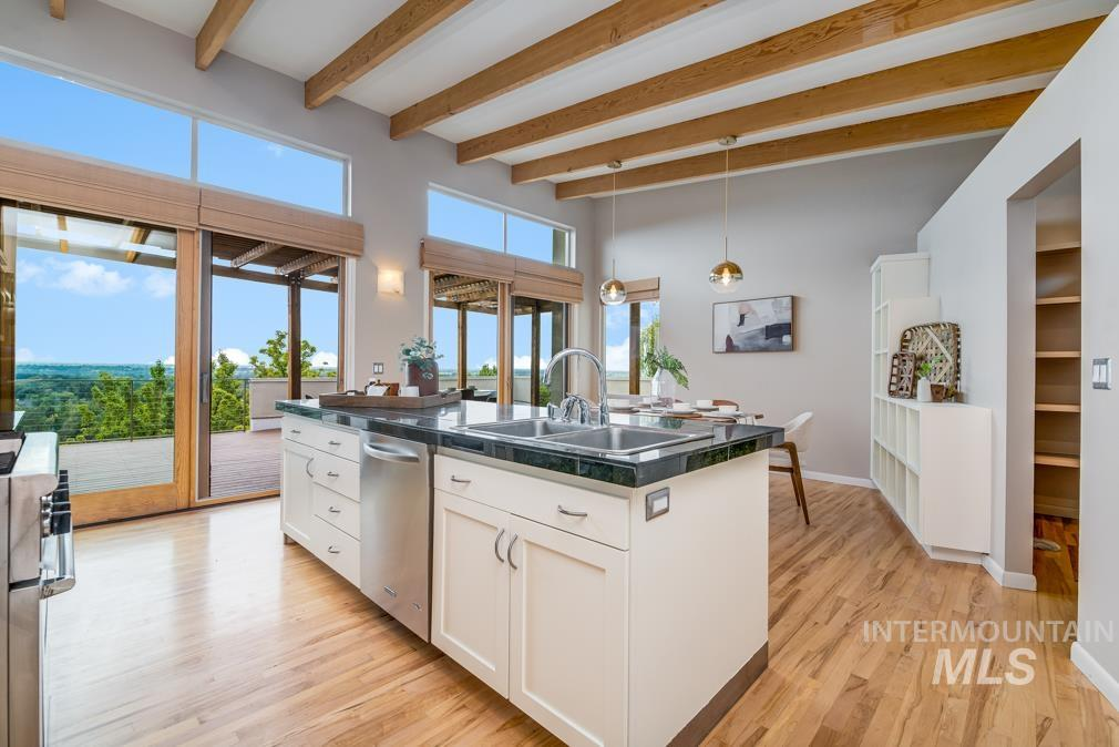 2424 W Spring Mountain Property Photo 25