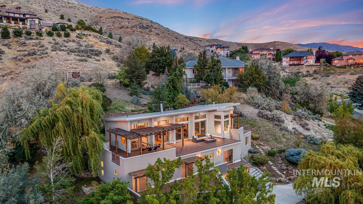 2424 W Spring Mountain Property Photo 50