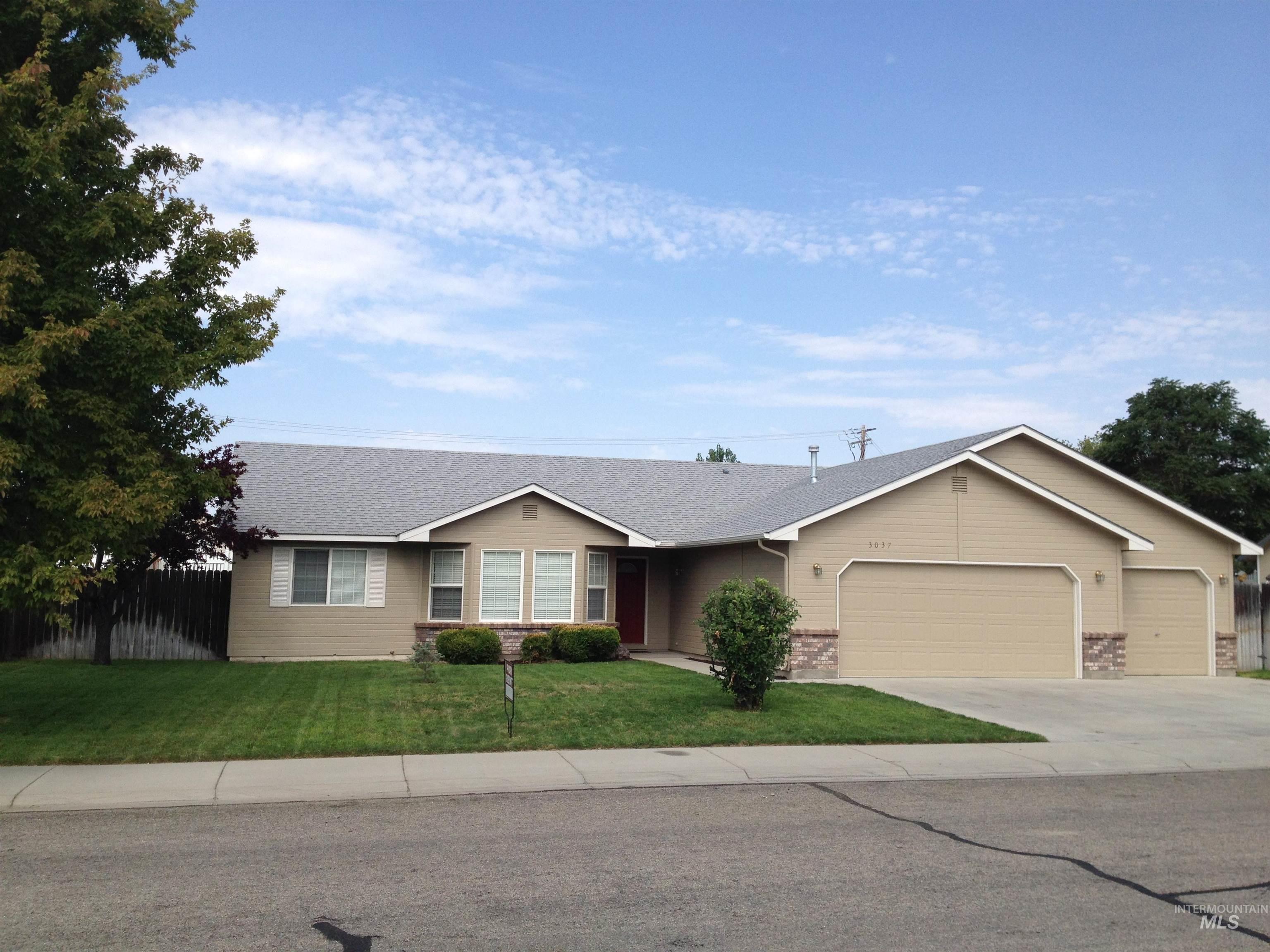 3037 N Hearth Property Photo