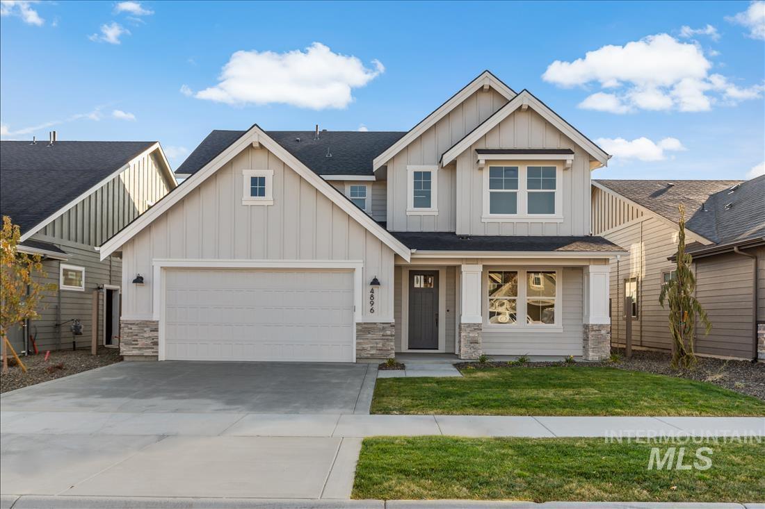 4896 S Colusa Ave Property Photo