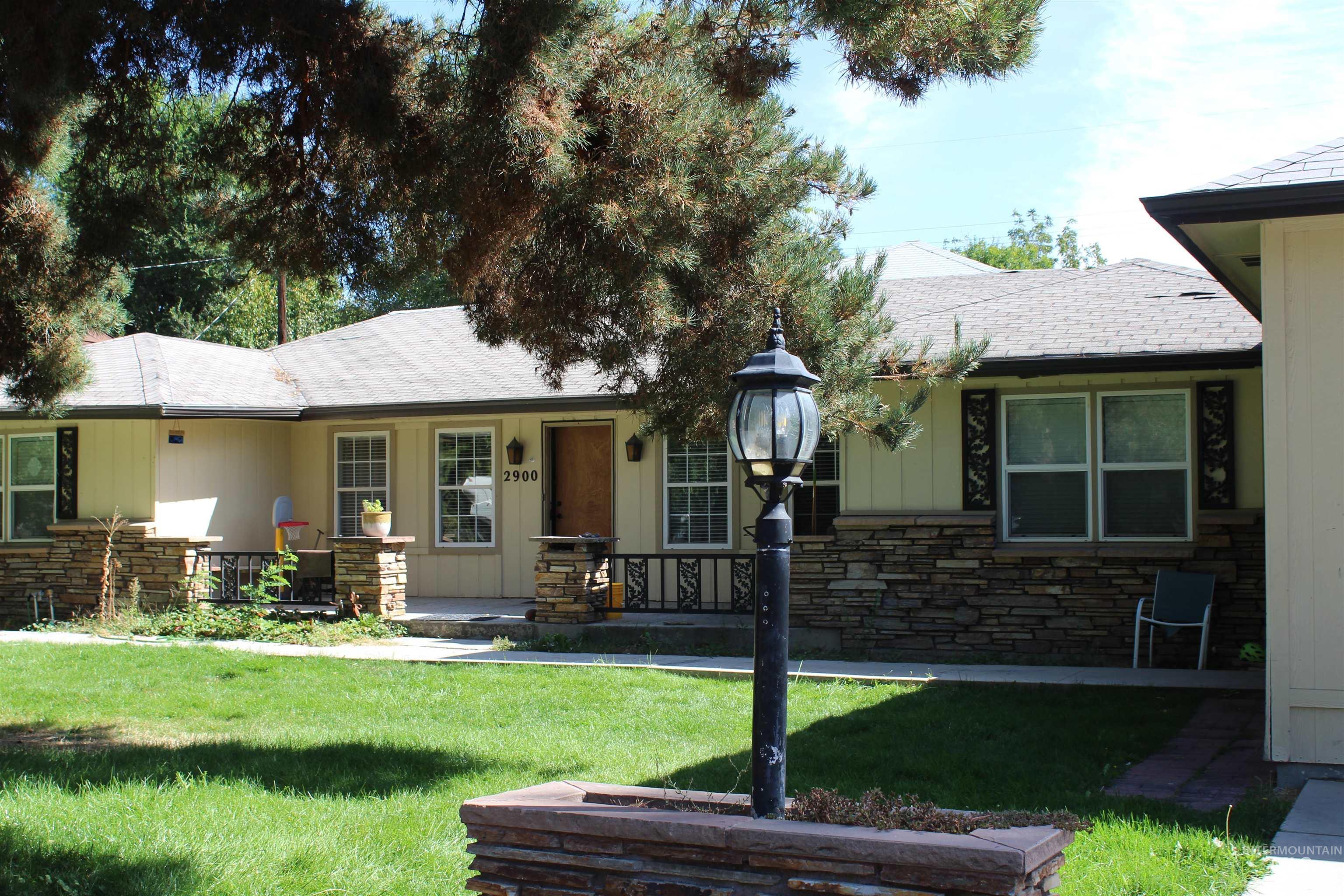 2900 N Tamarack Property Photo 1