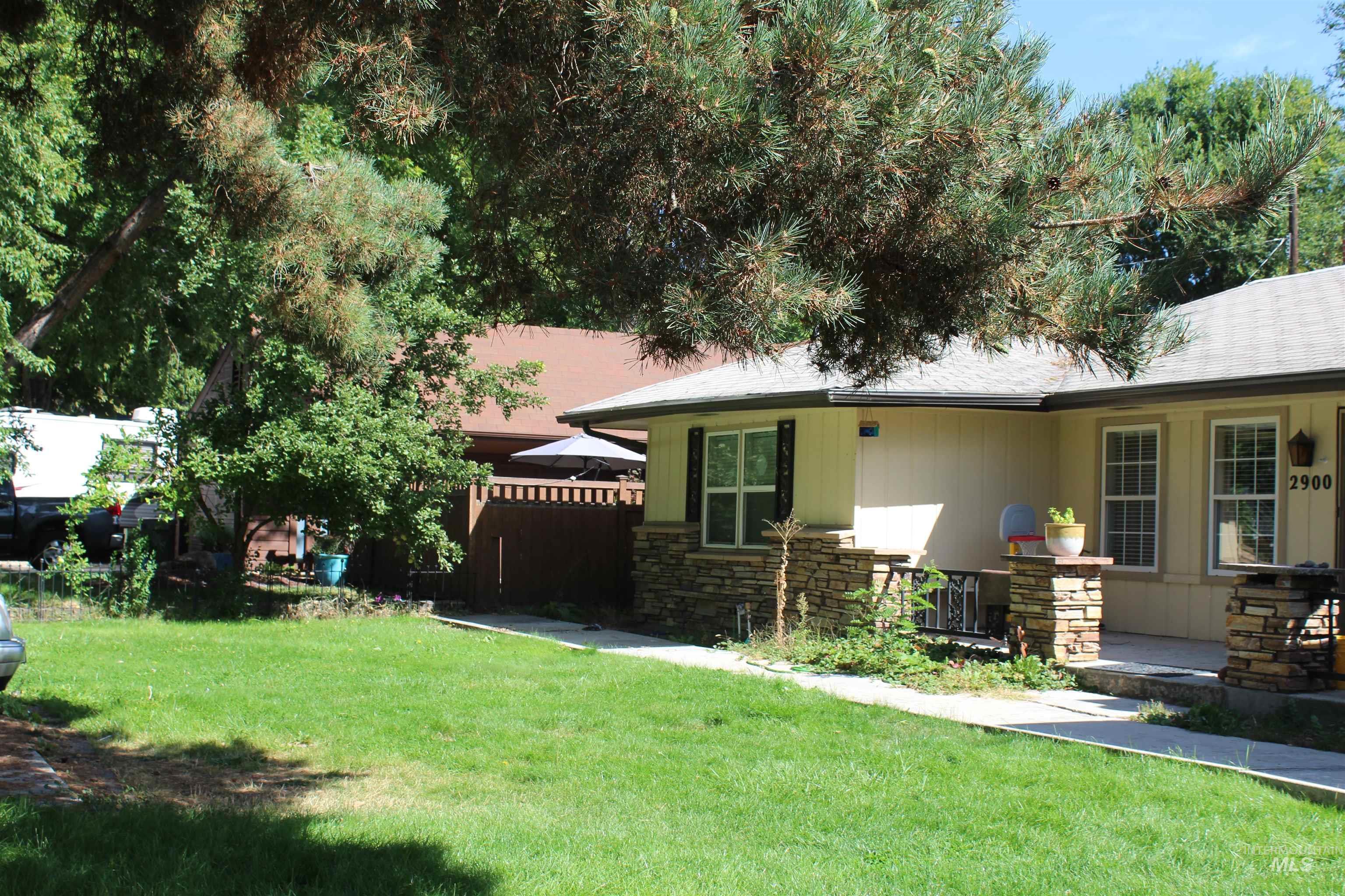 2900 N Tamarack Property Photo 2