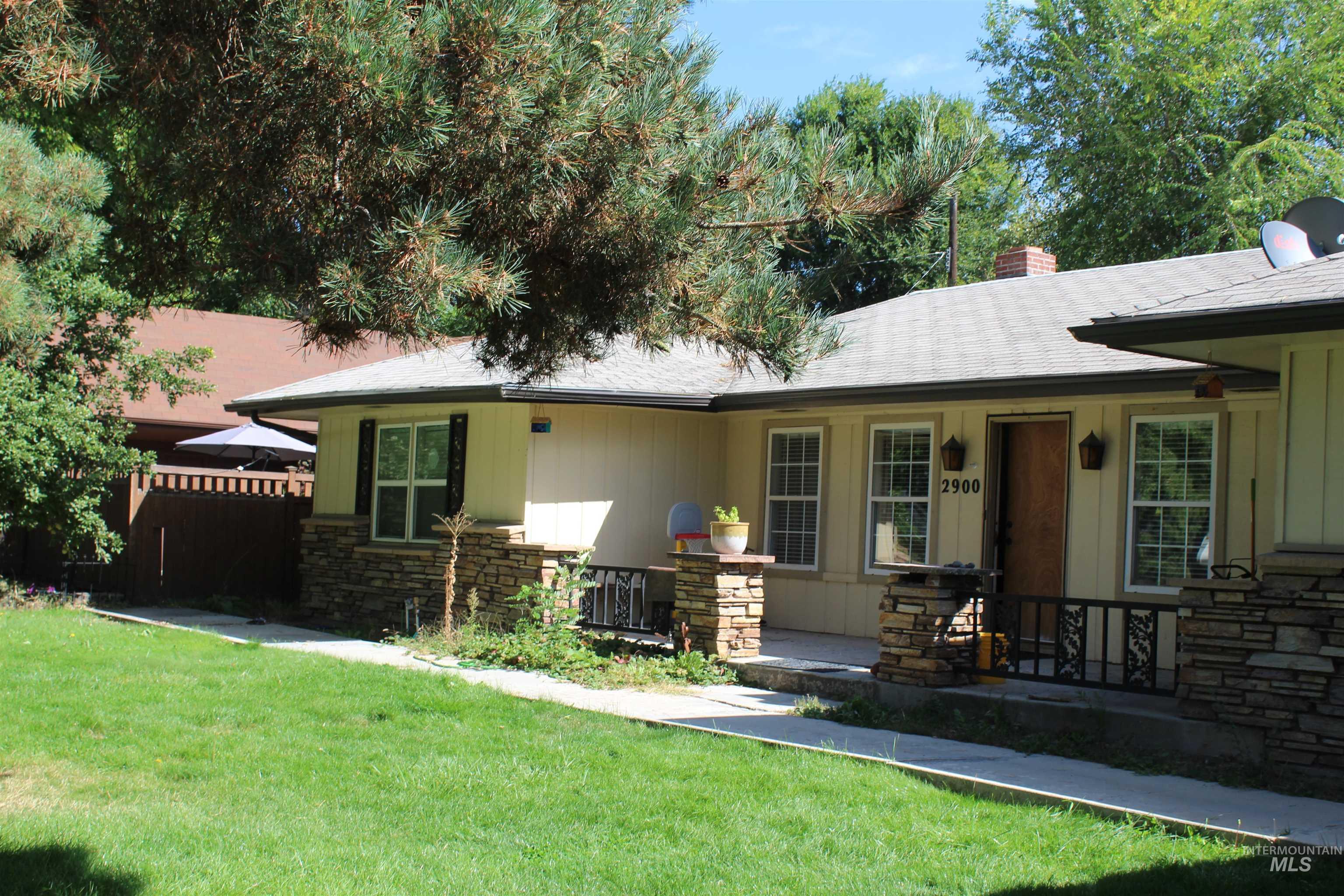 2900 N Tamarack Property Photo 3