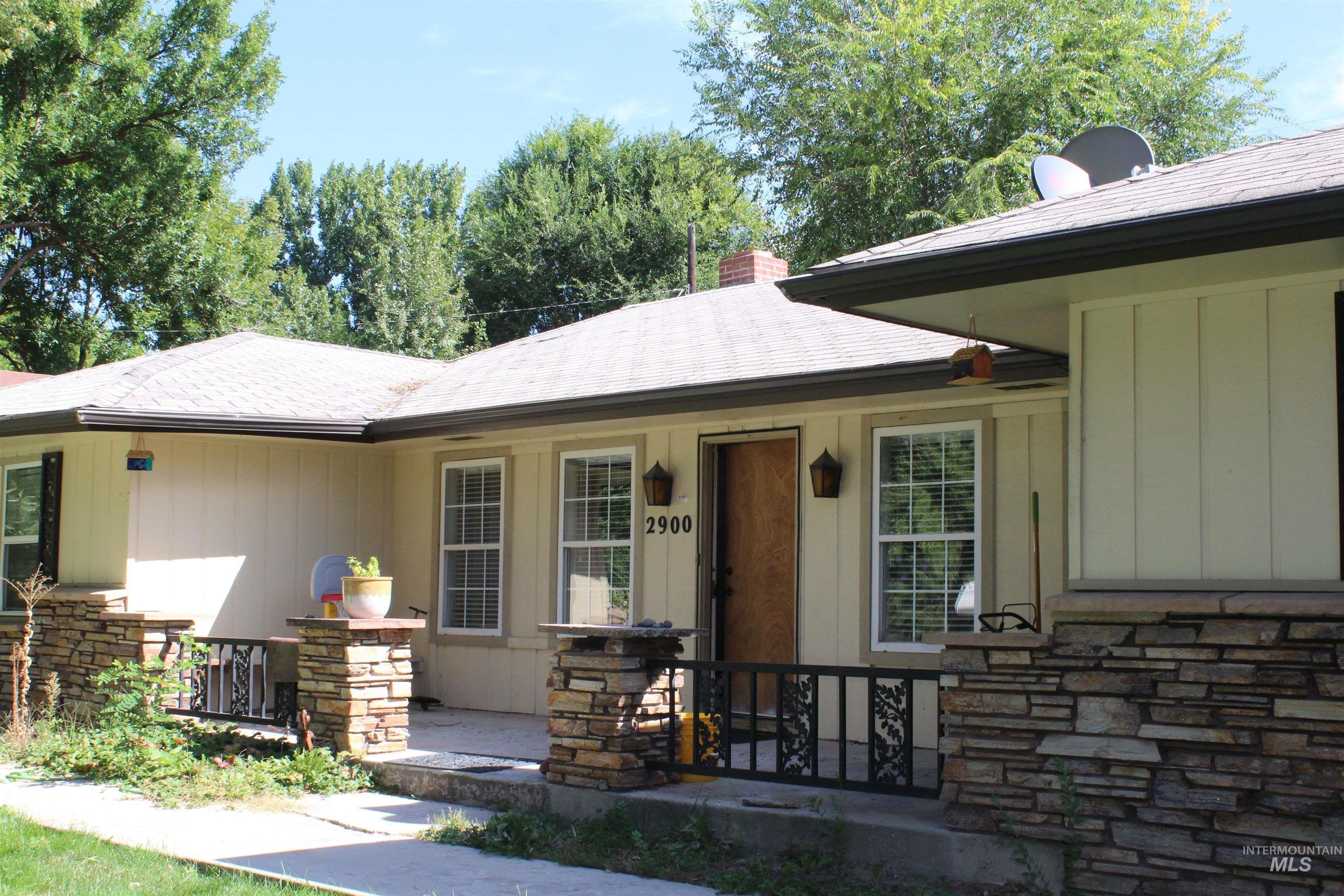 2900 N Tamarack Property Photo 4