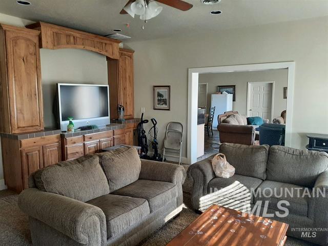 2900 N Tamarack Property Photo 10
