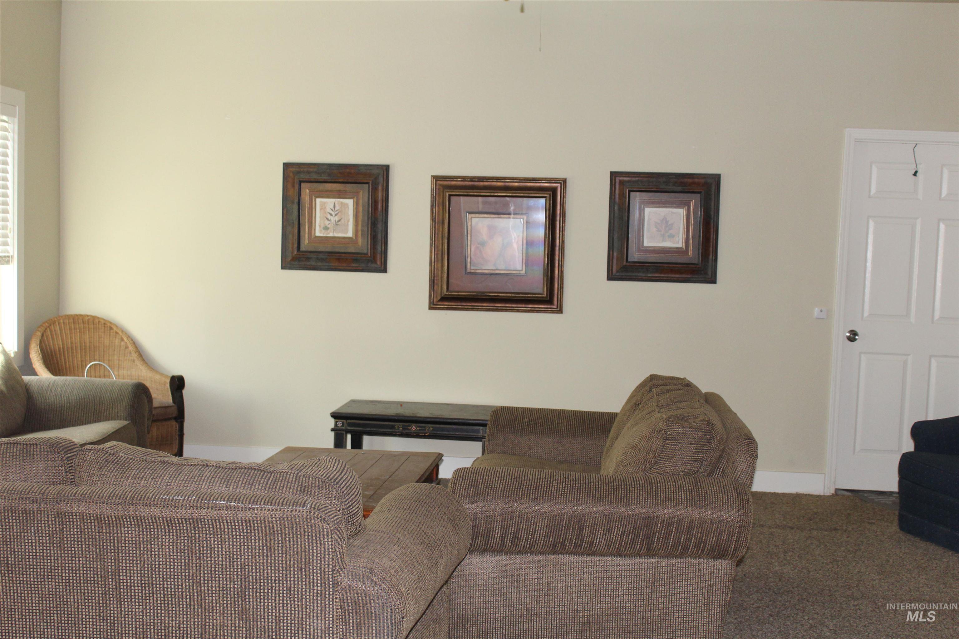 2900 N Tamarack Property Photo 12