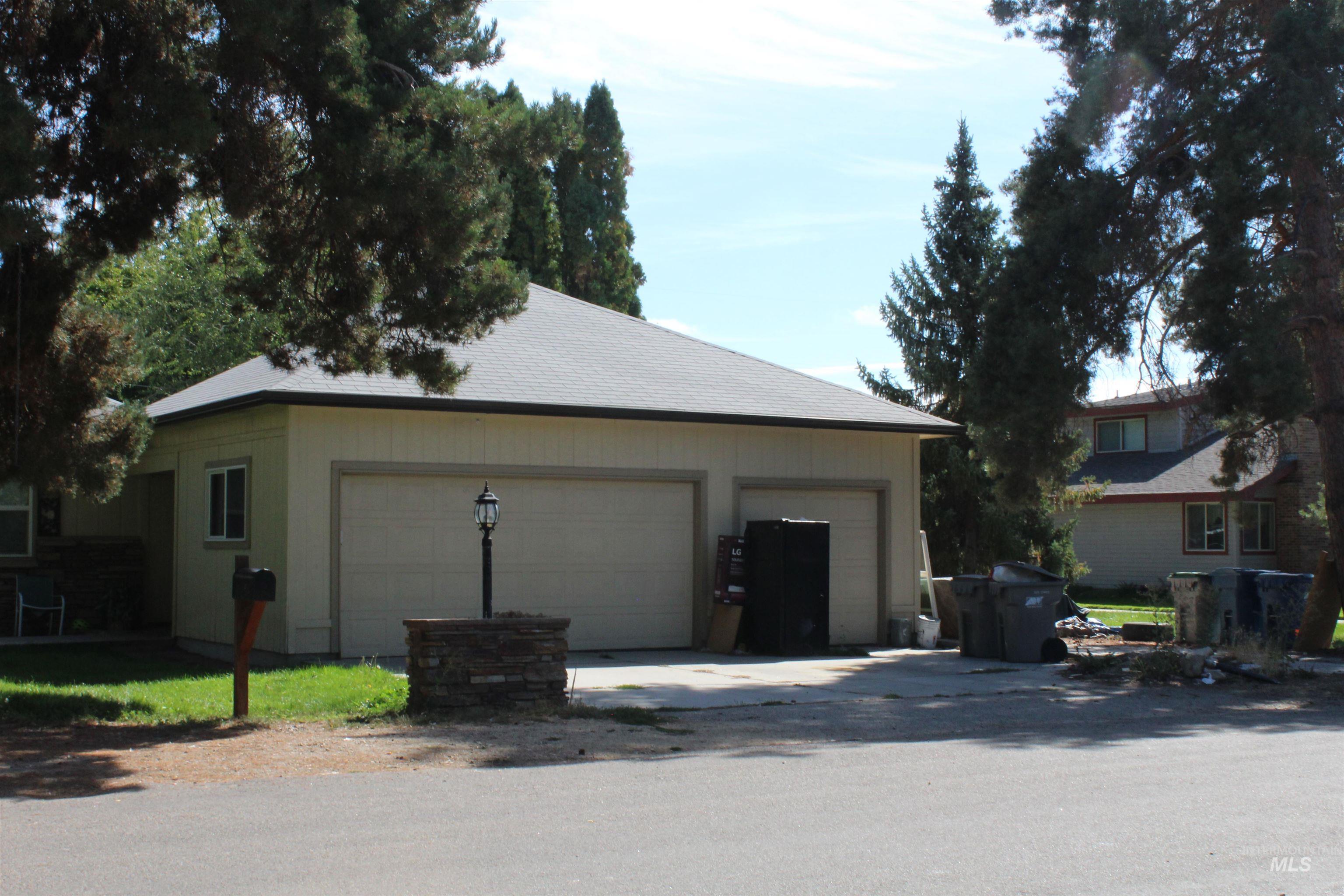 2900 N Tamarack Property Photo 22