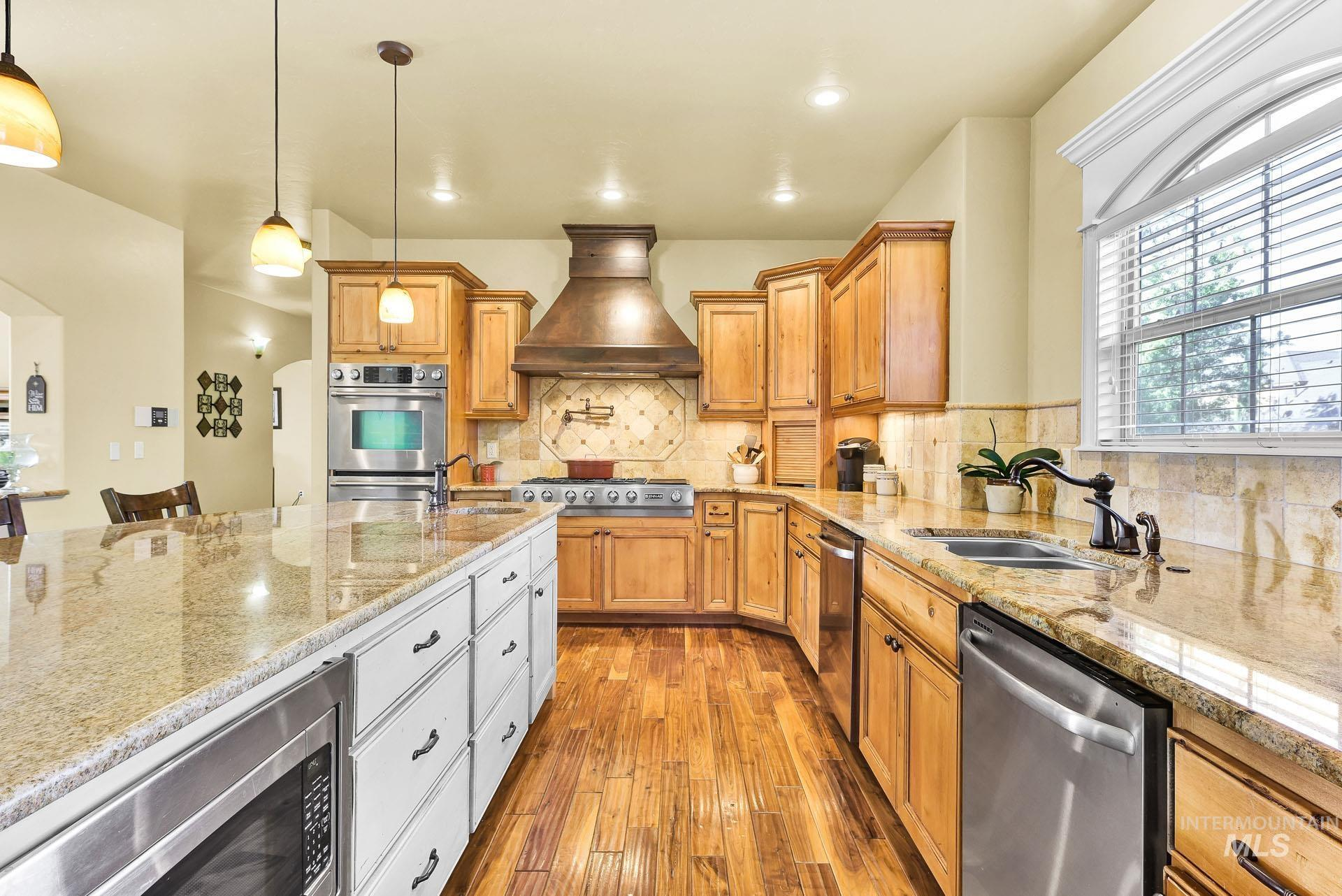 312 W Crystal Brook Property Photo 16
