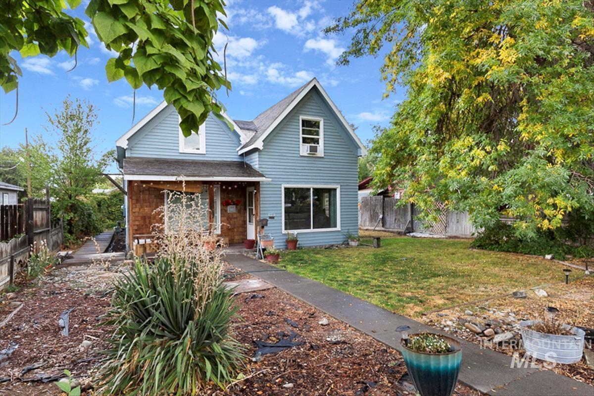 1437 8th Ave E Property Photo 1