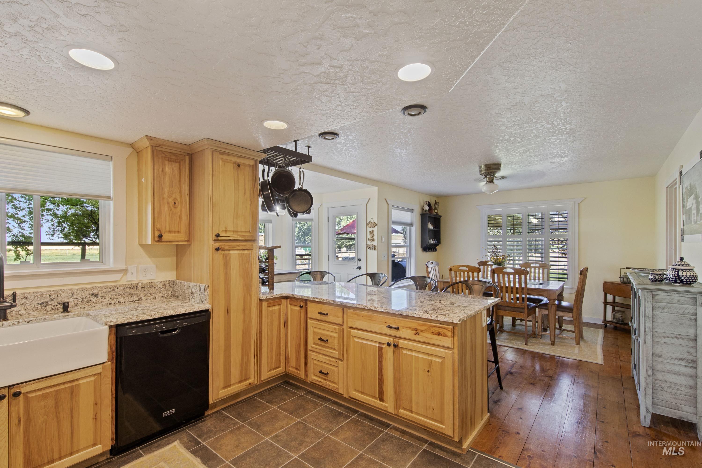 5880 W Murphy Rd Property Photo 8