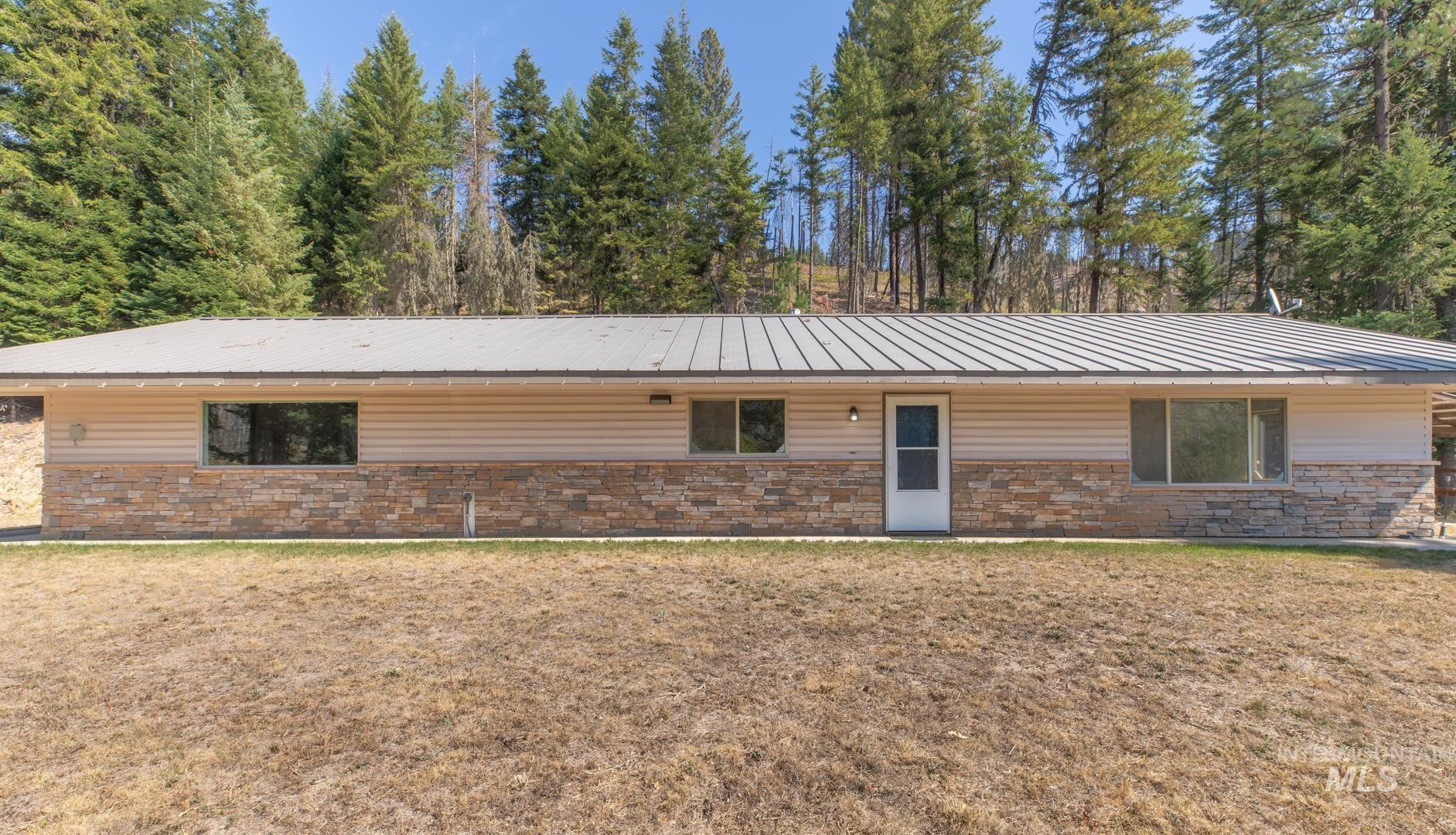 3363 Lolo Creek Road Property Photo