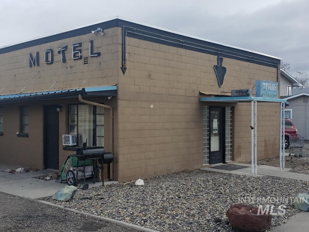 710 Emison Property Photo