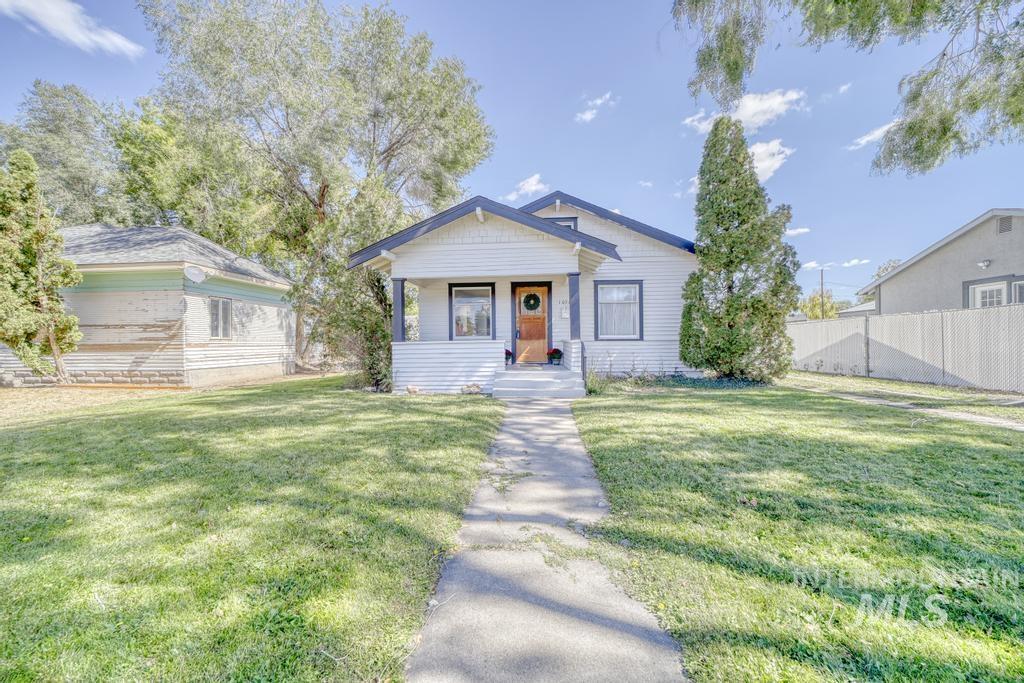 1054 Blue Lakes Blvd Property Photo 1